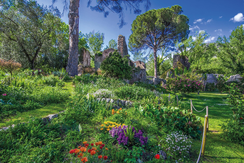 Rome ninfa and castel gandolfo tour brightwater holidays - Olive garden early bird specials ...